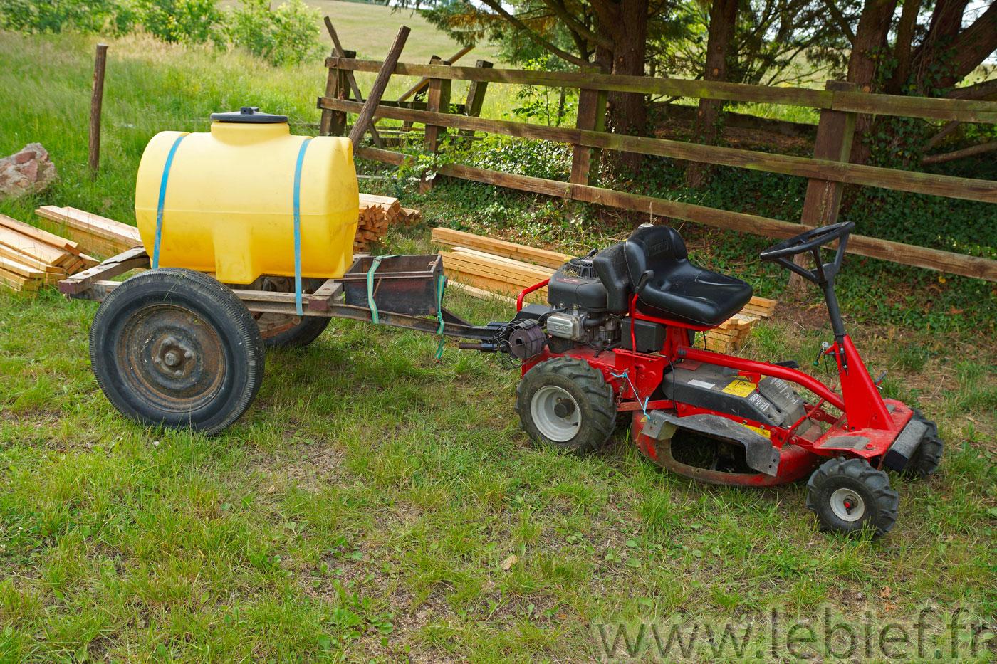 Fixation remorque sur snapper et attache d 39 un poids l - Remorque de jardin pour autoportee ...